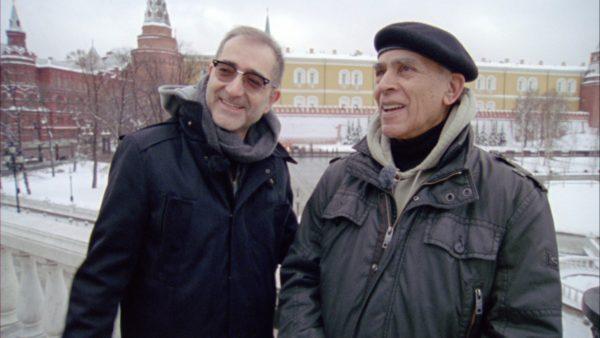 Iraqi Odyssey (D, 162', 2014) — Filmemacher Samir mit seinem  Cousin Jamal in Moskau